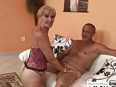 Amateur Mature Squirting And Getting Fucked Hard