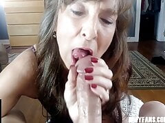 Sexy Milf Marie – Blowjob Extraordinaire
